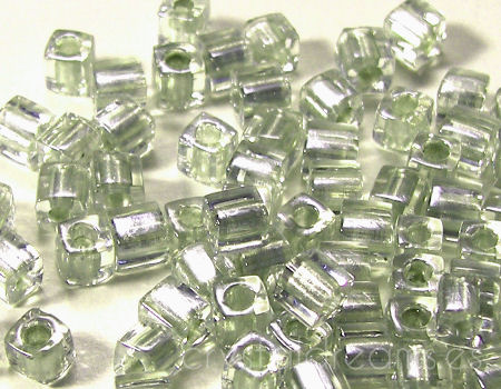 4mm Cubos MIYUKI - 5 gr. pack Pale Lime Crystal Lined