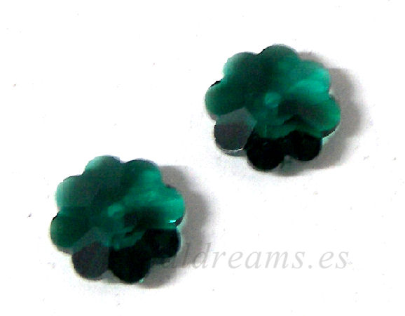 3700 Swarovski Elements - Emerald - 8mm