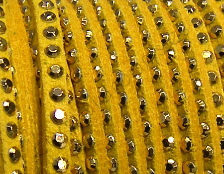 20 cm. Cordon de Antelina con Rivet 3mm color Yellow-Golden