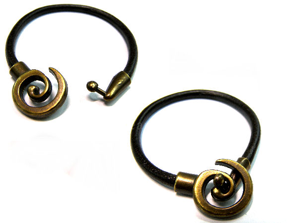Cierre a Enganche - Bronce Antiguo - 25x13mm - Agujero 4mm